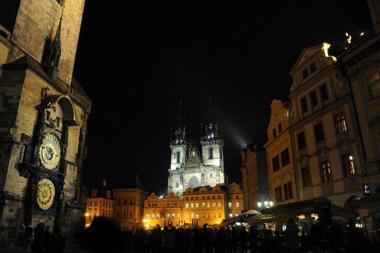 Praag_oudestadsplein-kerst
