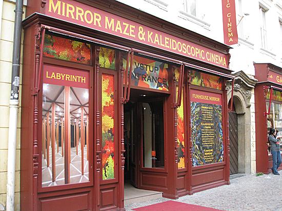 Praag_Mirror_Maze__foto_Marianne_Crone.jpg