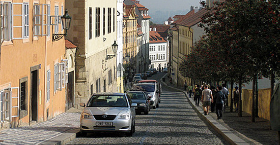 Praag_Nerudova-straat-prague.jpg