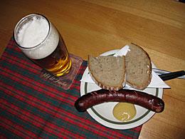 Praag_bierlokaal-worst-praag.jpg