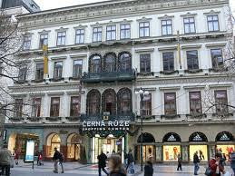 Praag_cerna-ruze-shopping-centrum