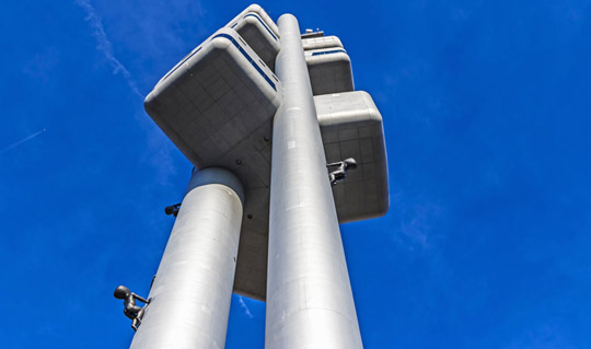 Praag_david-cerny-tv-toren