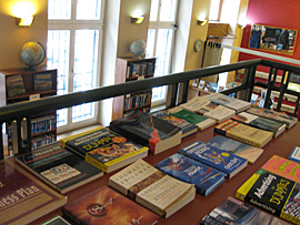 Praag_globe-books-prague.jpg