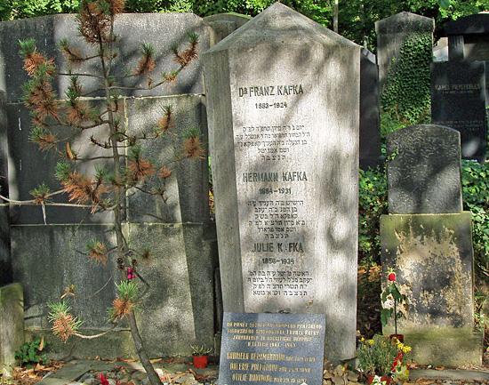 Praag_joodse_begraafplaats_kafka.jpg
