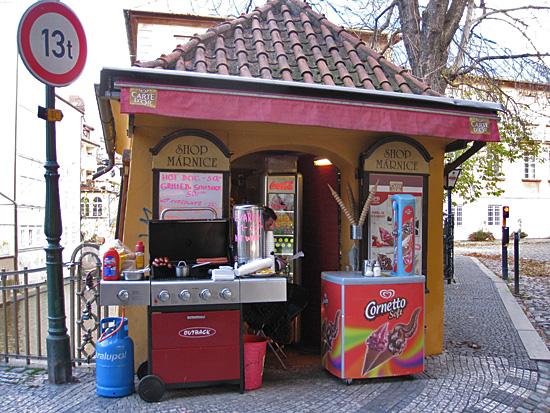 Praag_kiosk_Marnice_ijs_1.jpg