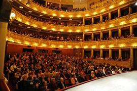 Praag_narodni_divadlo-opera