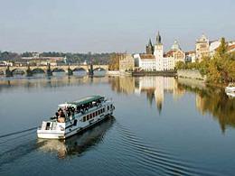 Praag_praag-moldau-cruise.jpg