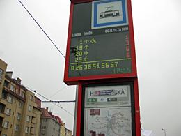 Praag_praag-tramhalte.JPG
