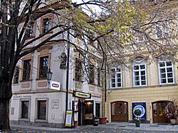 Praag_tyn-court-ungelt-praag.jpg