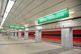 Praag_veleslavin_metro_station.jpg